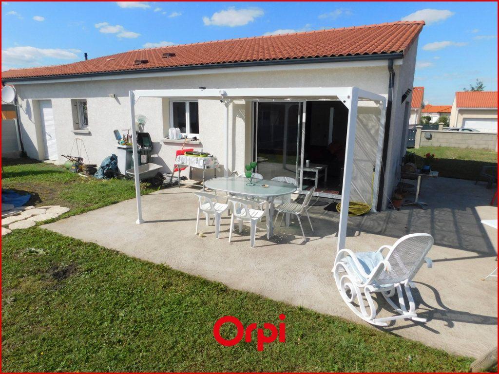 Maison à vendre 5 100m2 à Pont-du-Château vignette-5