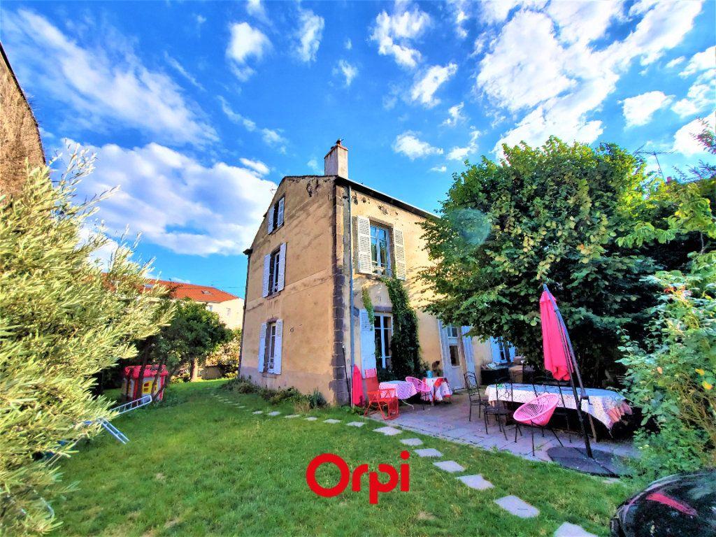 Maison à vendre 7 183m2 à Aubière vignette-1