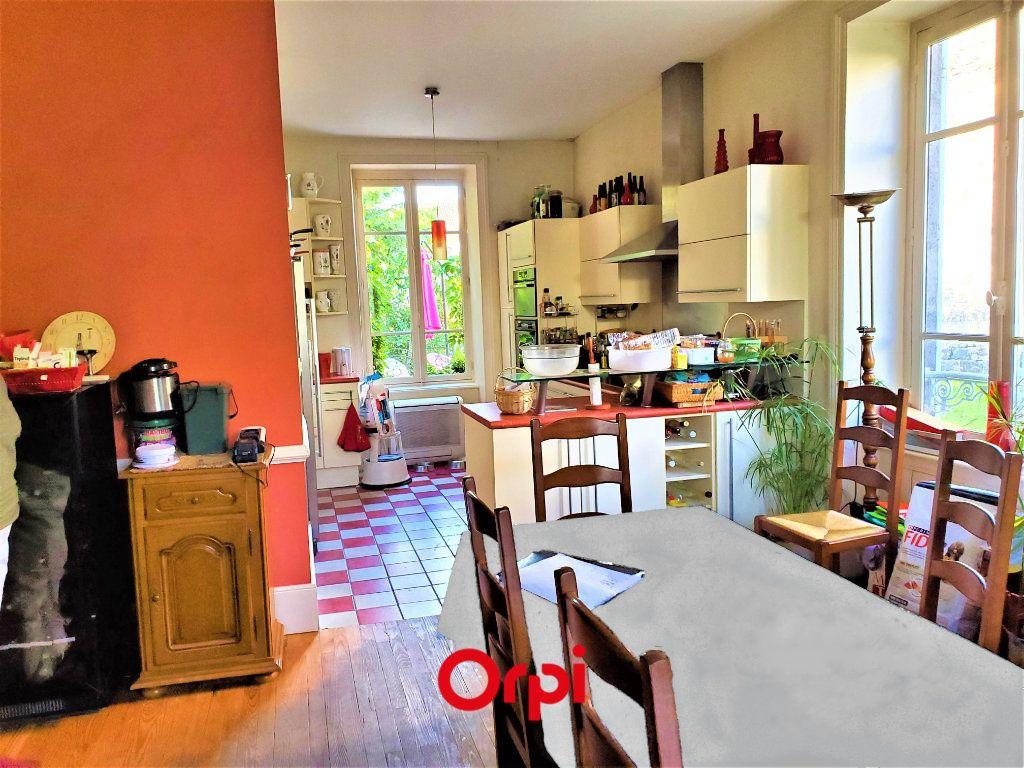 Maison à vendre 7 183m2 à Aubière vignette-2