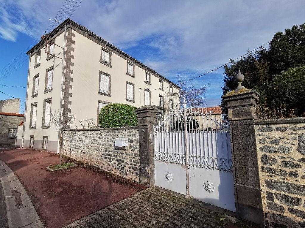 Appartement à vendre 4 75m2 à Saint-Beauzire vignette-4