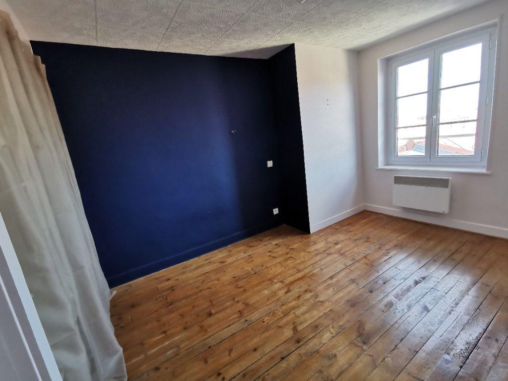 Appartement à vendre 4 75m2 à Saint-Beauzire vignette-5