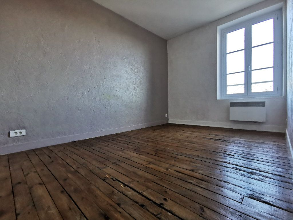Appartement à vendre 4 75m2 à Saint-Beauzire vignette-7