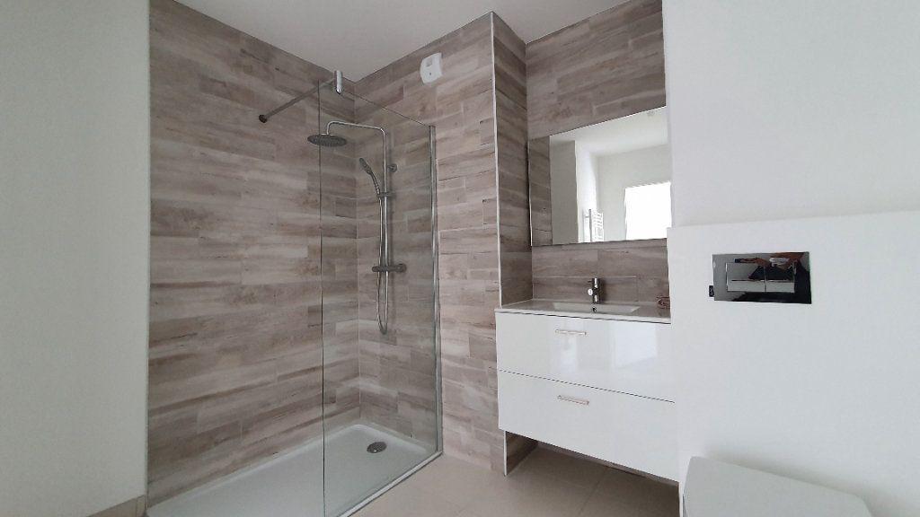 Appartement à louer 2 38.5m2 à Clermont-Ferrand vignette-2