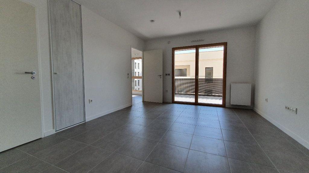 Appartement à louer 2 38.5m2 à Clermont-Ferrand vignette-3