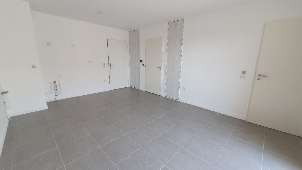 Appartement à louer 2 38.5m2 à Clermont-Ferrand vignette-4