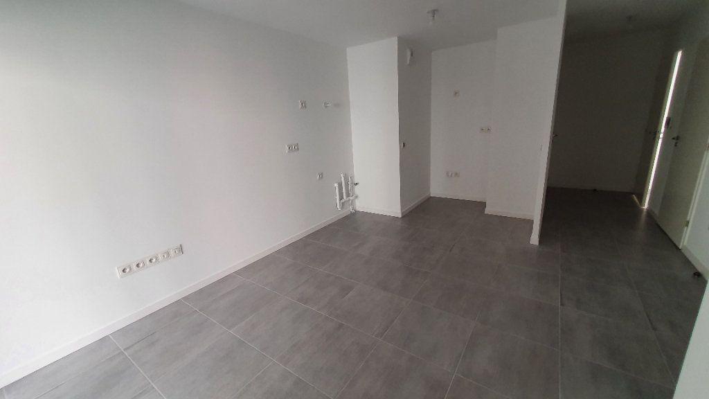 Appartement à louer 2 38.83m2 à Clermont-Ferrand vignette-4