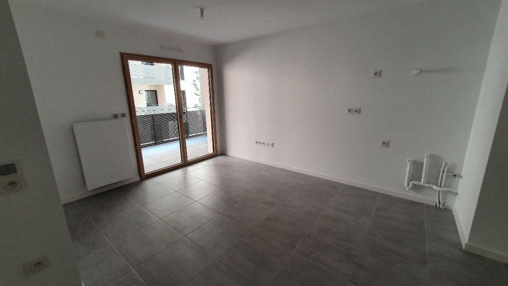 Appartement à louer 2 38.83m2 à Clermont-Ferrand vignette-5