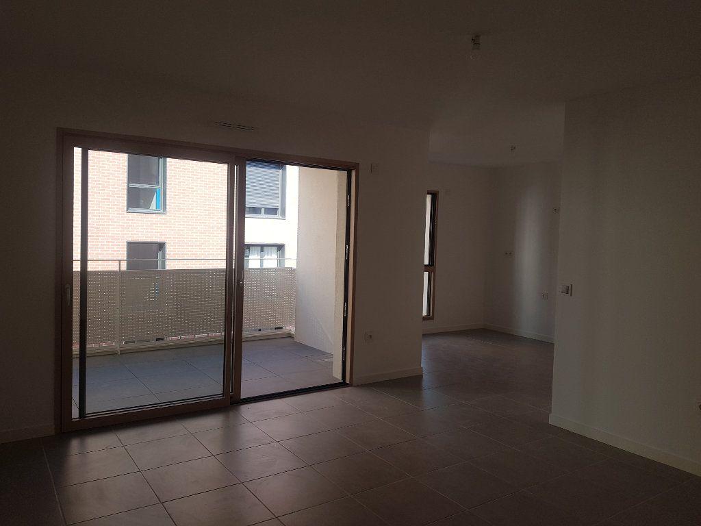 Appartement à louer 3 59.58m2 à Clermont-Ferrand vignette-5