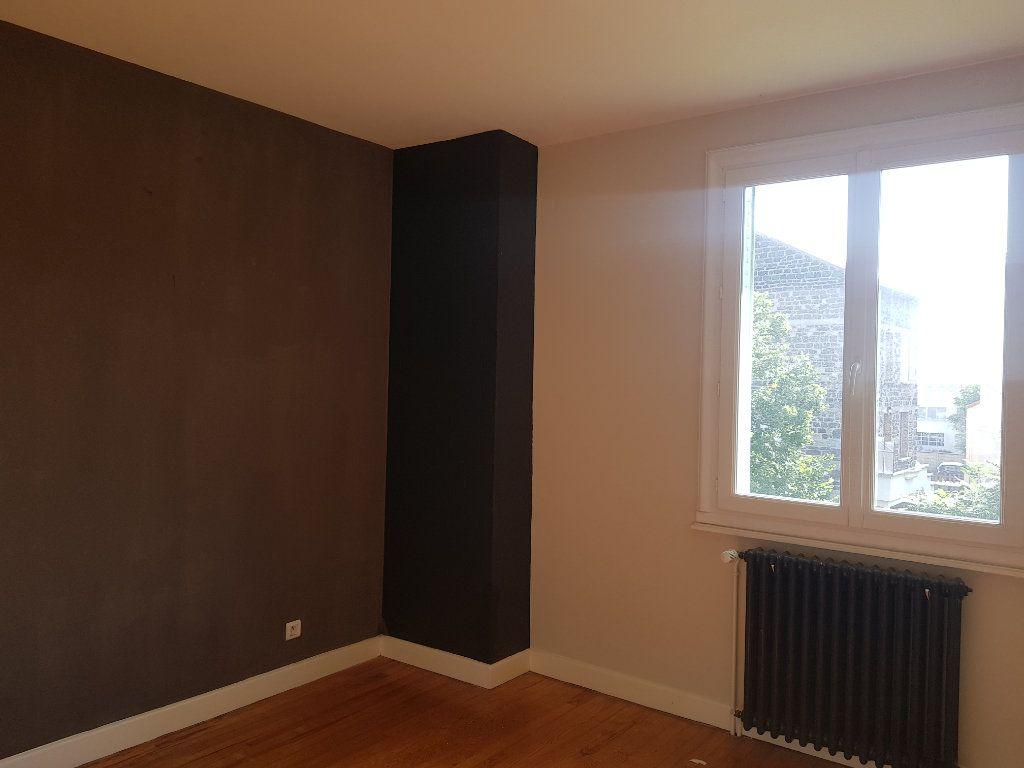 Appartement à louer 4 86m2 à Clermont-Ferrand vignette-5