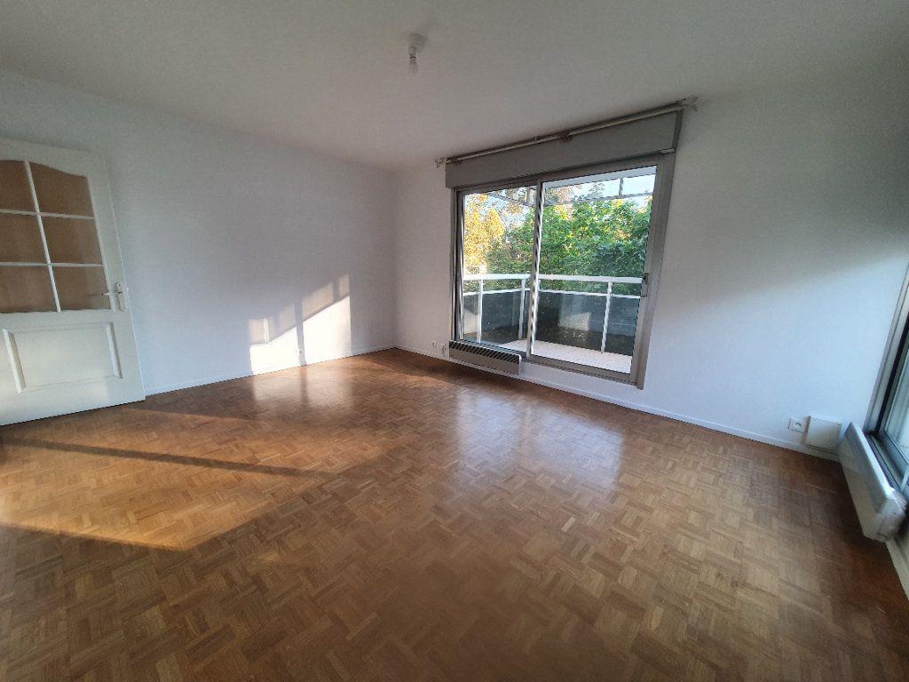 Appartement à louer 3 62.68m2 à Chamalières vignette-1