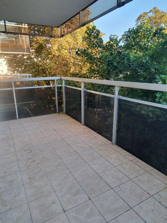 Appartement à louer 3 62.68m2 à Chamalières vignette-3