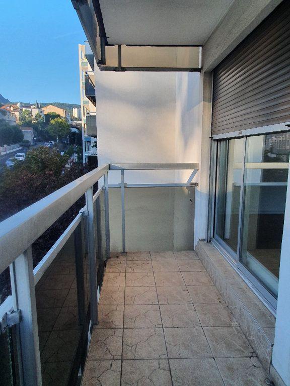 Appartement à louer 3 62.68m2 à Chamalières vignette-9