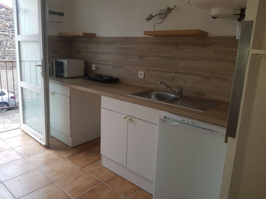 Appartement à louer 2 39.6m2 à Aubière vignette-1