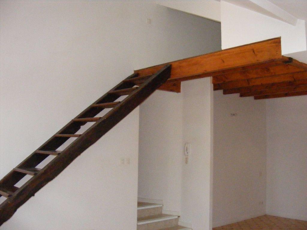 Appartement à louer 1 38m2 à Amou vignette-2