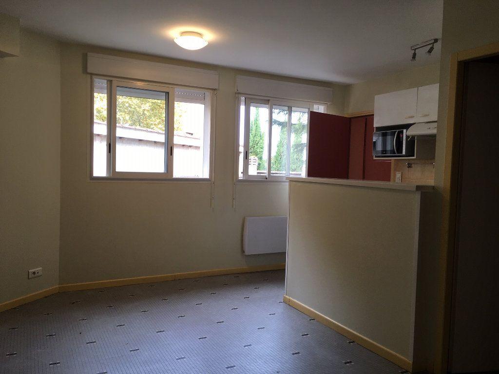 Appartement à louer 1 24.25m2 à Pomarez vignette-1