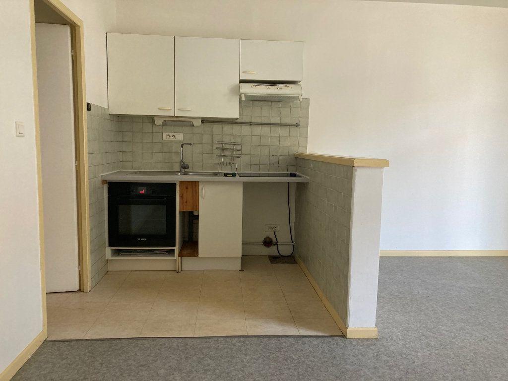 Appartement à louer 2 47.31m2 à Pomarez vignette-1