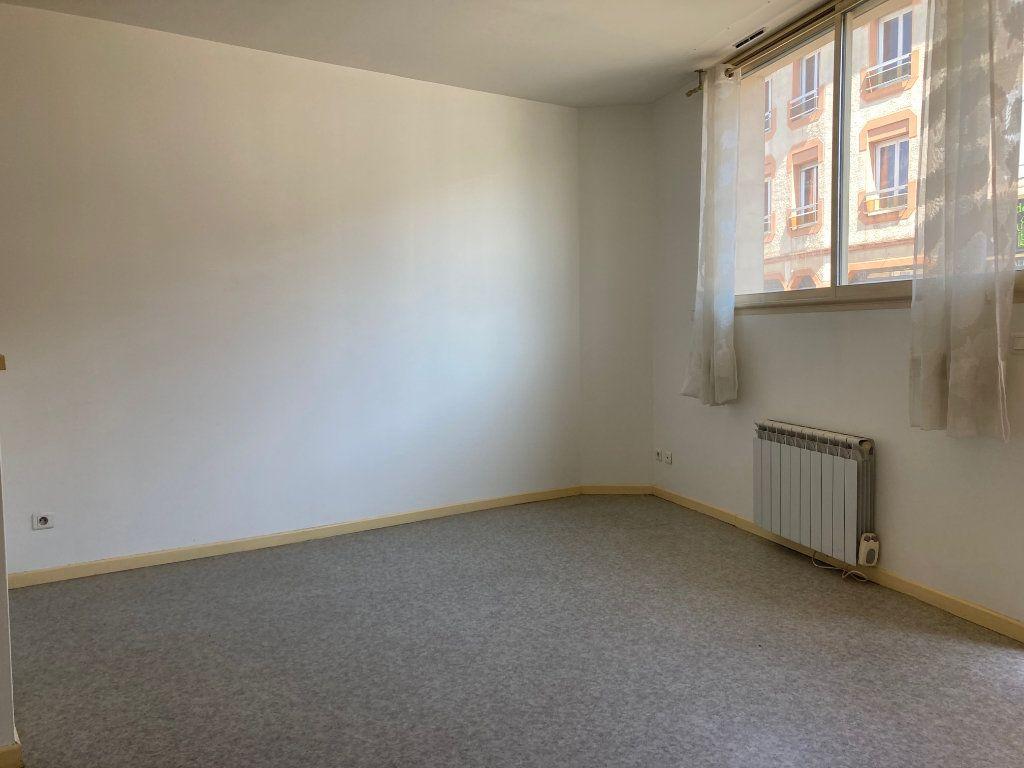Appartement à louer 2 47.31m2 à Pomarez vignette-2