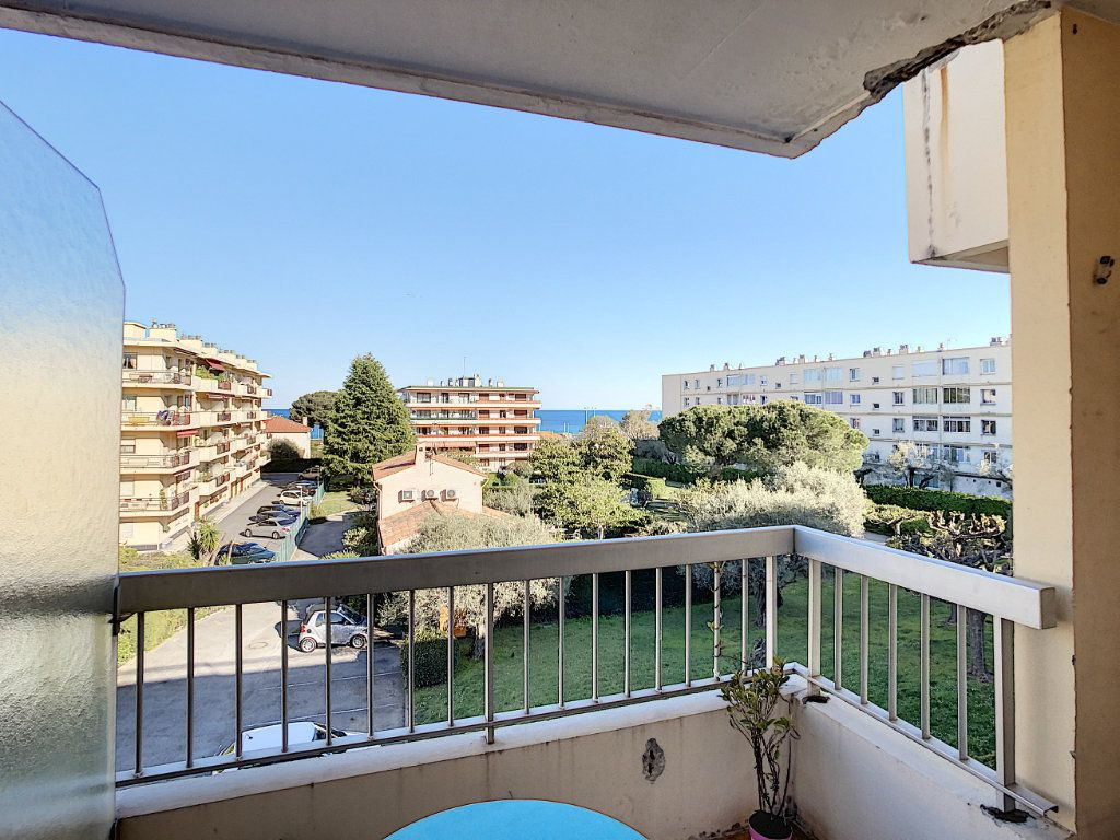Appartement à louer 2 46.47m2 à Antibes vignette-1