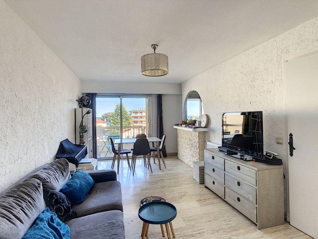 Appartement à louer 2 46.47m2 à Antibes vignette-2