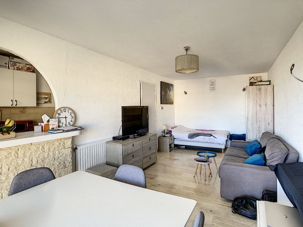 Appartement à louer 2 46.47m2 à Antibes vignette-3
