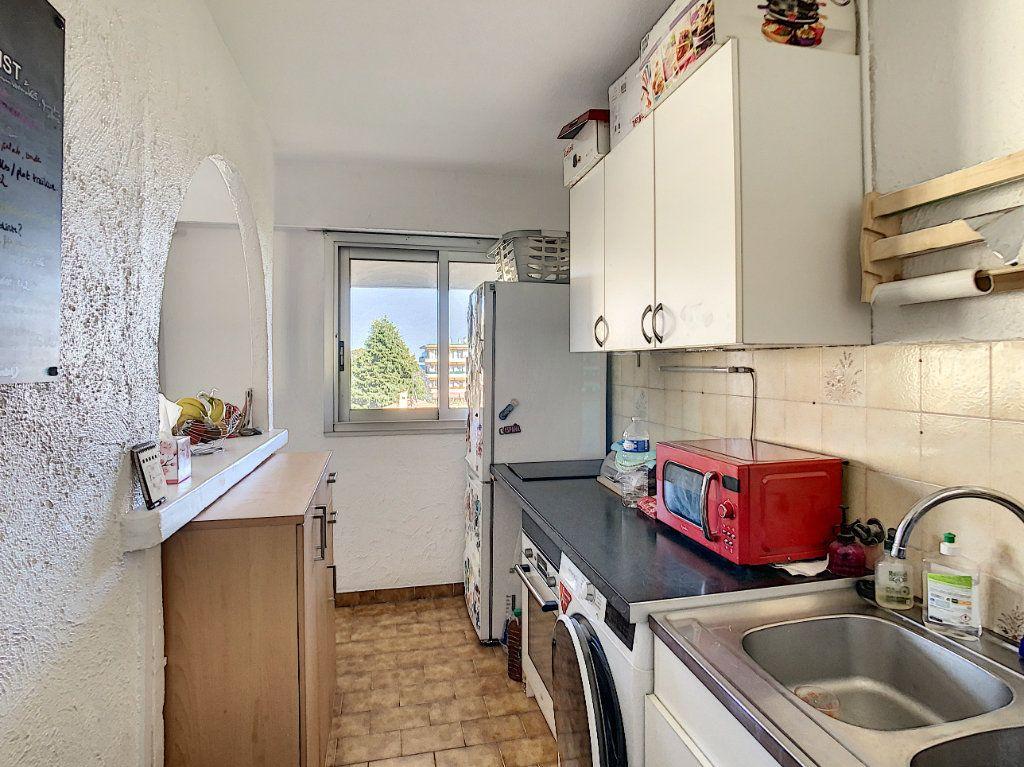 Appartement à louer 2 46.47m2 à Antibes vignette-5