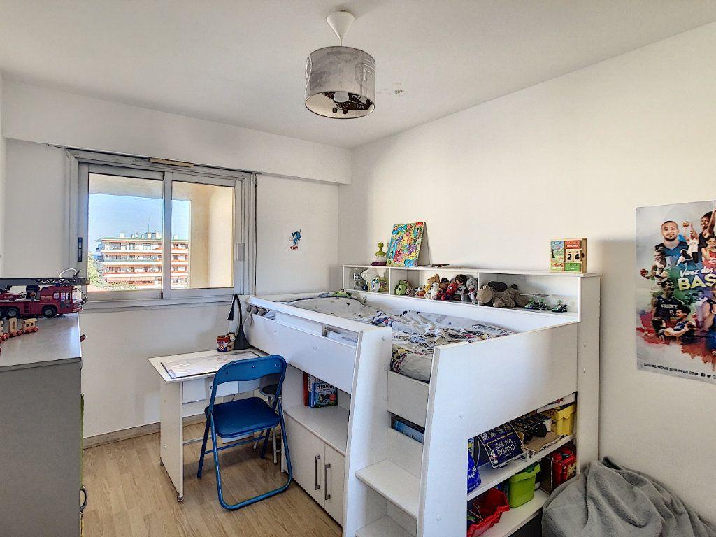 Appartement à louer 2 46.47m2 à Antibes vignette-6