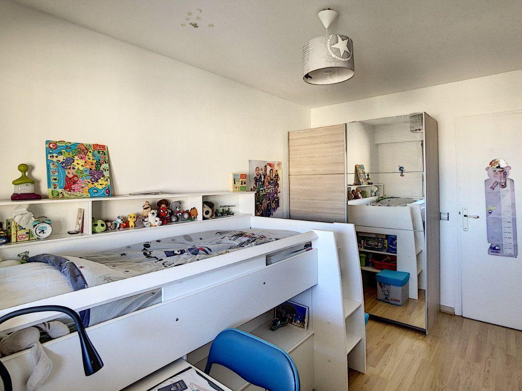 Appartement à louer 2 46.47m2 à Antibes vignette-7