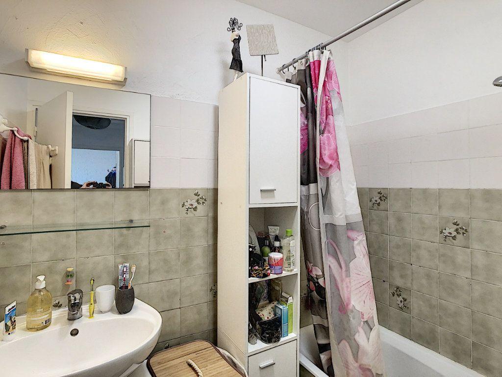 Appartement à louer 2 46.47m2 à Antibes vignette-8