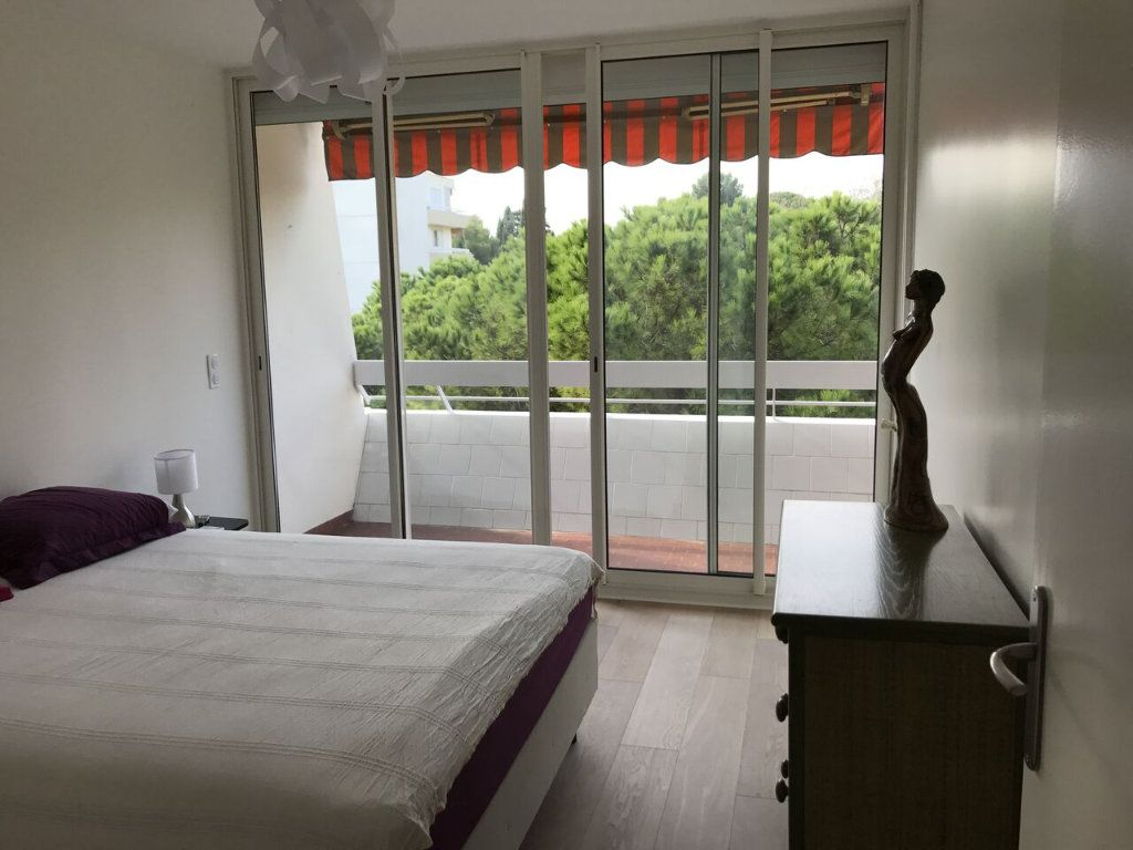 Appartement à louer 3 69m2 à Antibes vignette-7