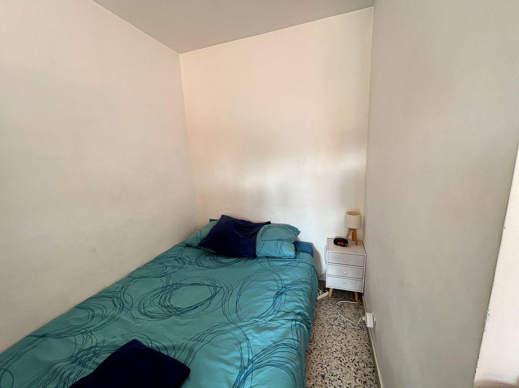 Appartement à louer 1 33m2 à Antibes vignette-4