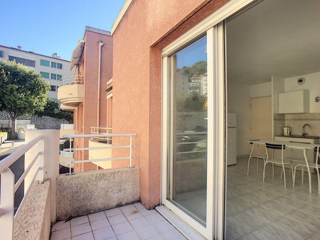 Appartement à louer 1 23.45m2 à Antibes vignette-2