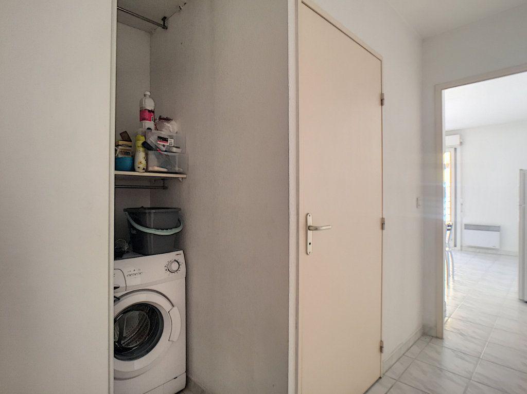 Appartement à louer 1 23.45m2 à Antibes vignette-7