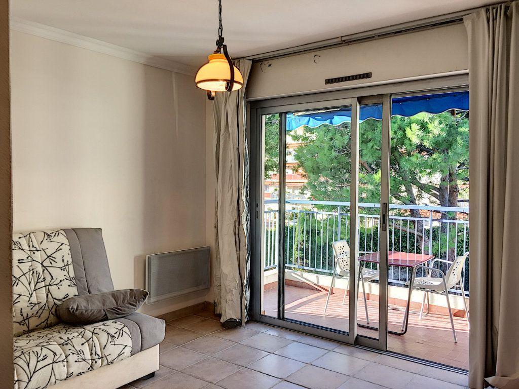 Appartement à louer 1 30.51m2 à Cagnes-sur-Mer vignette-2