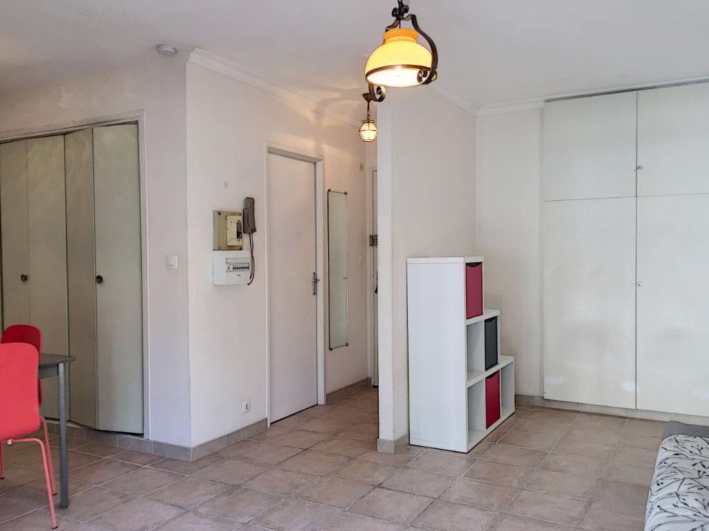 Appartement à louer 1 30.51m2 à Cagnes-sur-Mer vignette-4