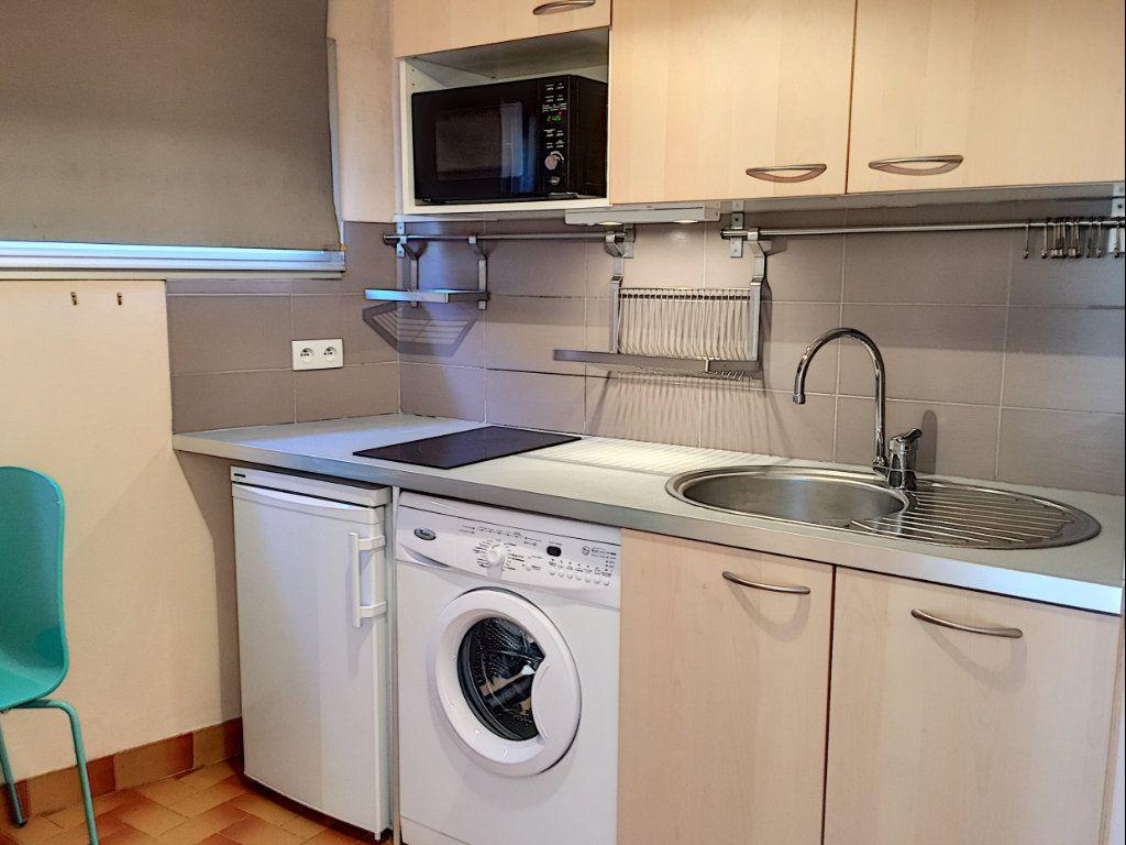 Appartement à louer 1 30.51m2 à Cagnes-sur-Mer vignette-6