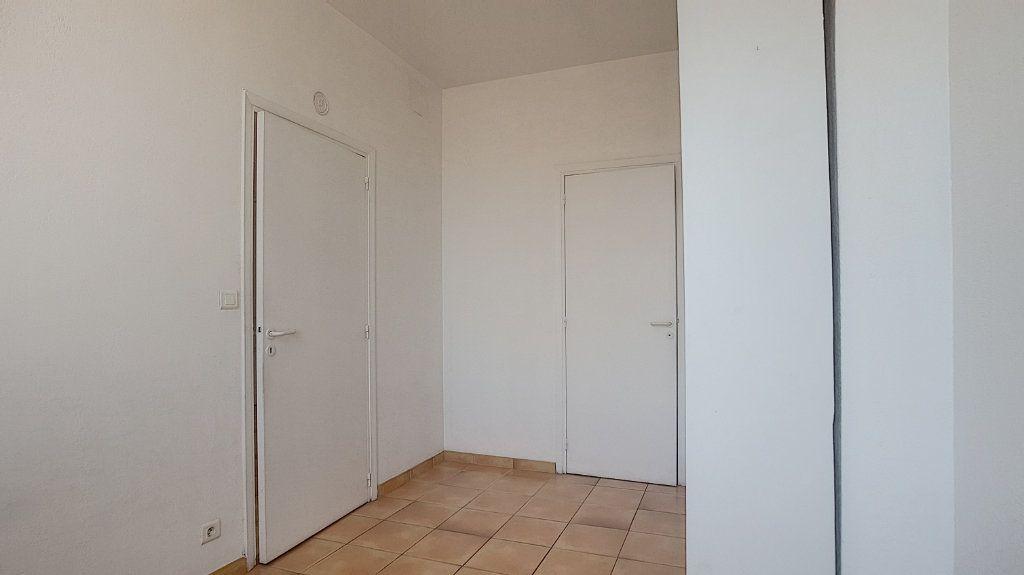 Appartement à louer 2 32.63m2 à Antibes vignette-6