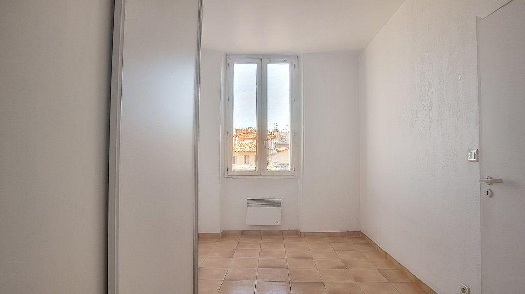 Appartement à louer 2 32.63m2 à Antibes vignette-7