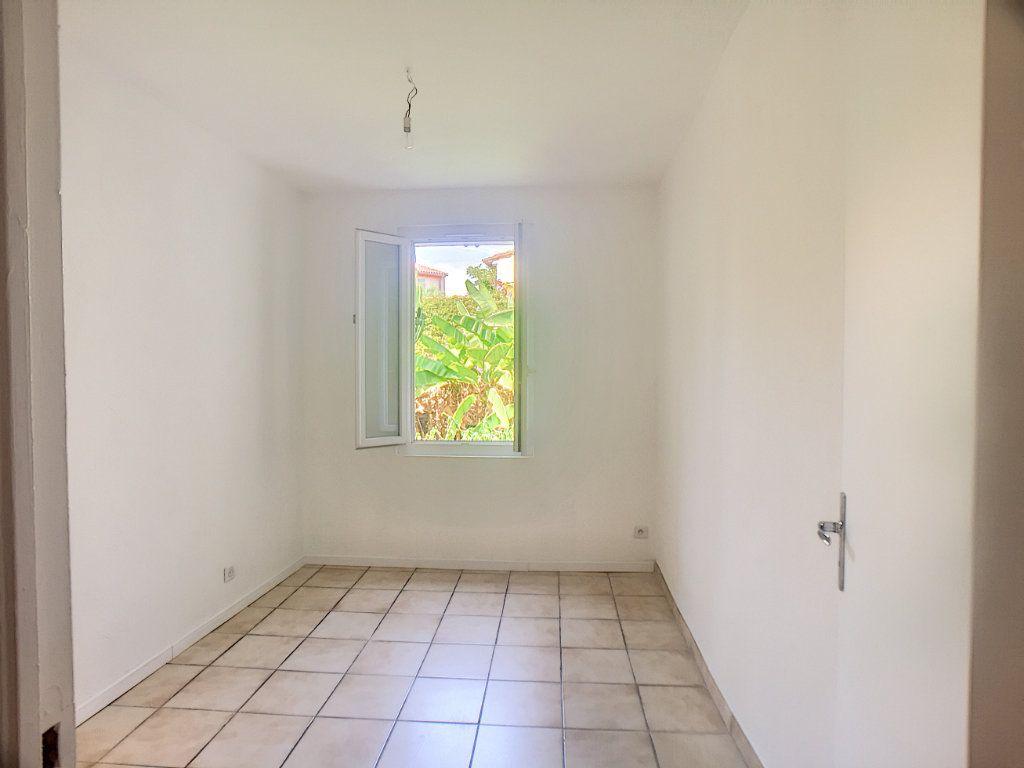 Appartement à louer 2 42.02m2 à Antibes vignette-2