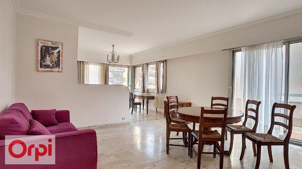 Appartement à louer 2 72m2 à Antibes vignette-2