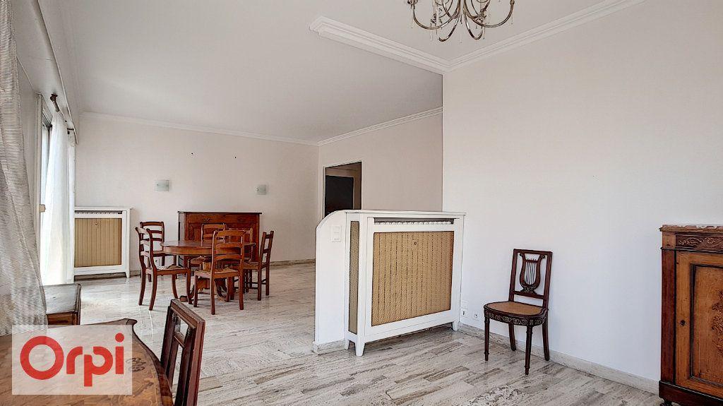 Appartement à louer 2 72m2 à Antibes vignette-3