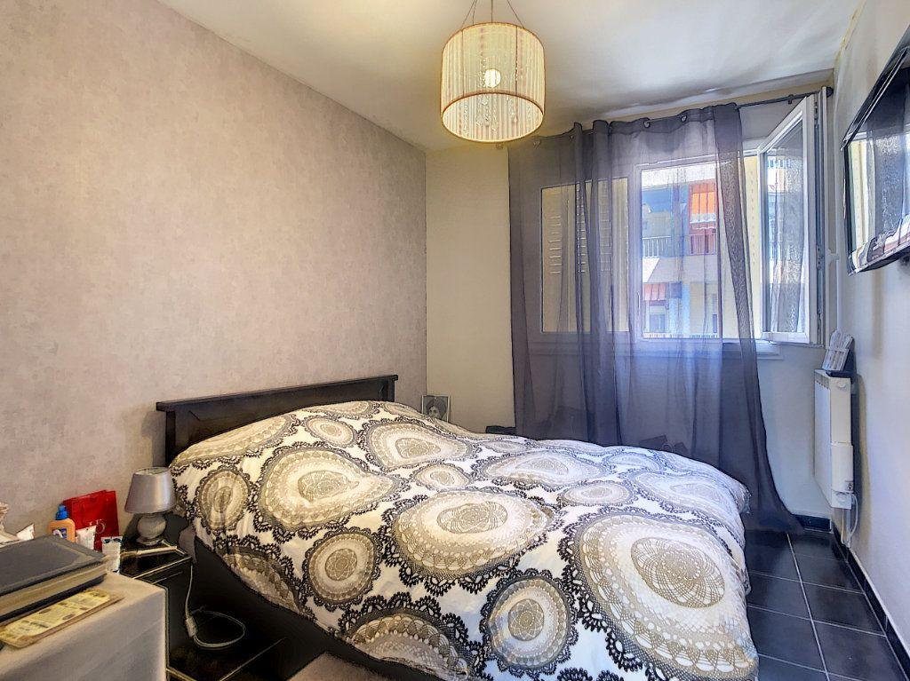 Appartement à vendre 3 61m2 à Juan-les-Pins - Antibes vignette-6