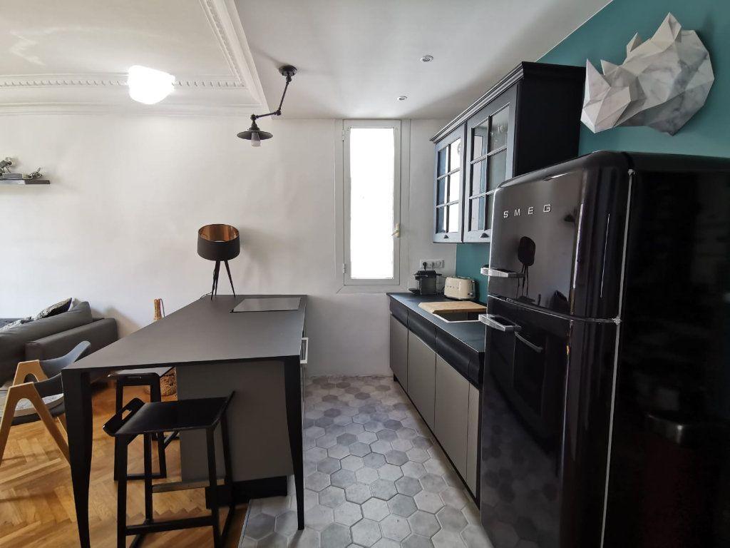 Appartement à louer 2 40m2 à Juan-les-Pins - Antibes vignette-2