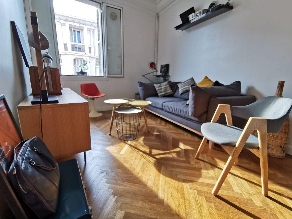 Appartement à louer 2 40m2 à Juan-les-Pins - Antibes vignette-9