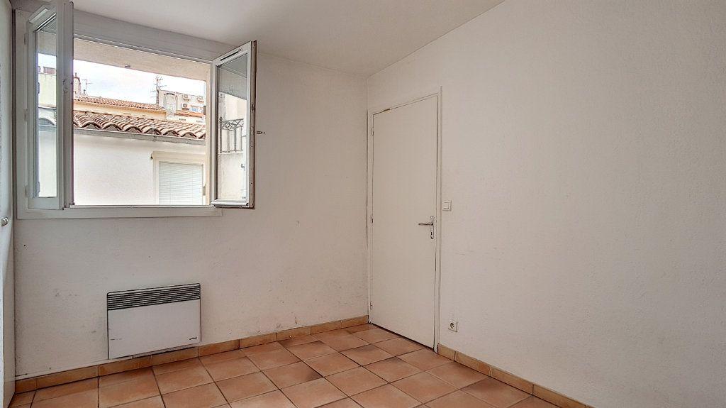 Appartement à louer 2 34.85m2 à Antibes vignette-4