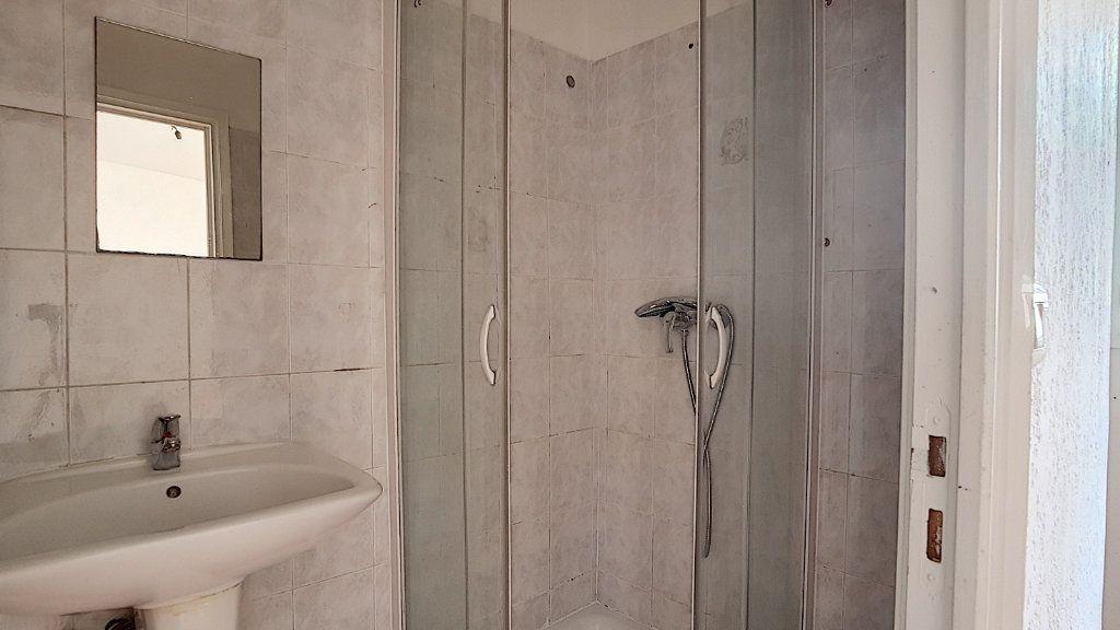 Appartement à louer 2 34.85m2 à Antibes vignette-5