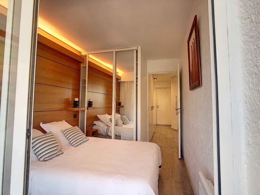 Appartement à vendre 2 45m2 à Antibes vignette-7