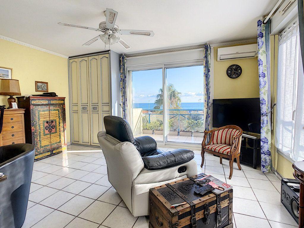 Appartement à vendre 2 41m2 à Antibes vignette-3
