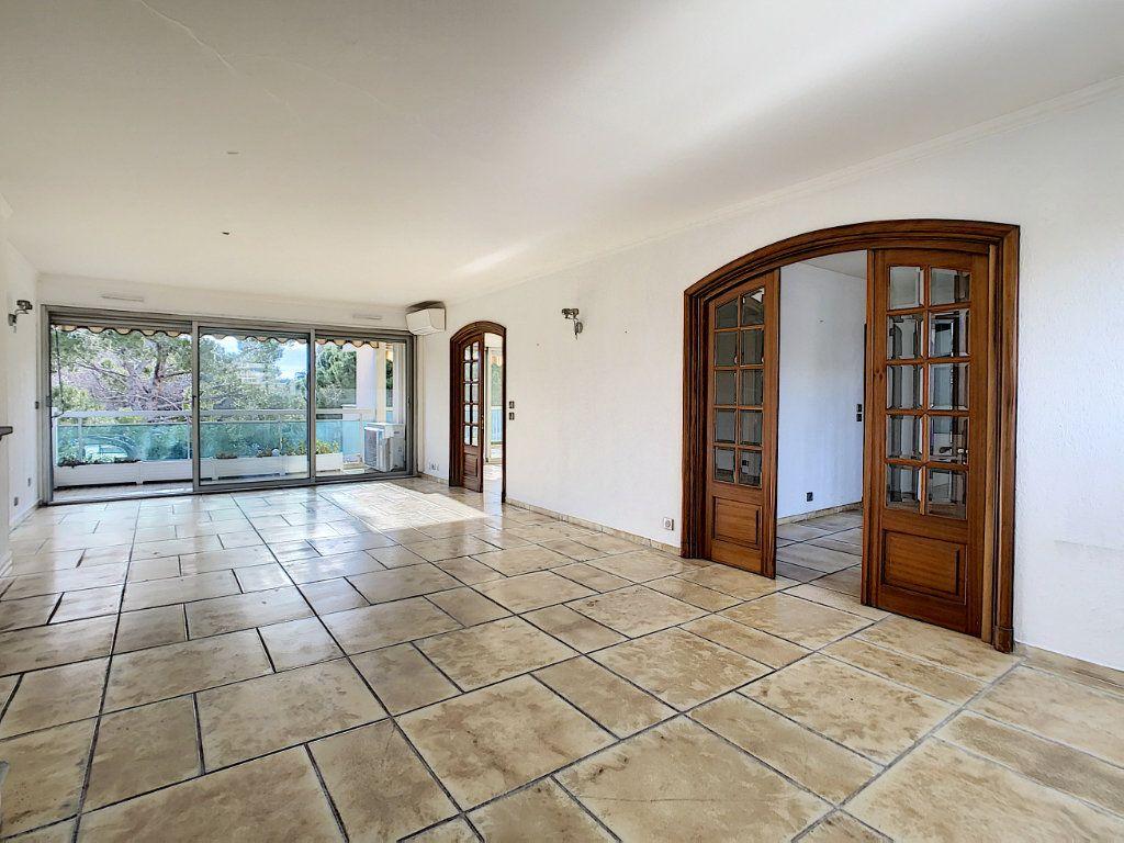 Appartement à vendre 4 160m2 à Antibes vignette-5