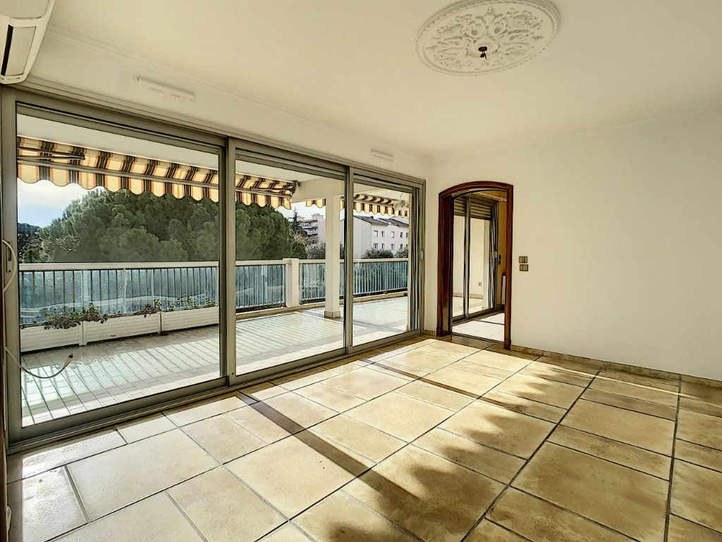 Appartement à vendre 4 160m2 à Antibes vignette-7