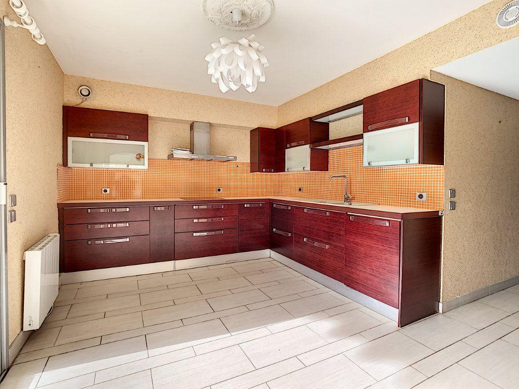 Appartement à vendre 4 160m2 à Antibes vignette-9